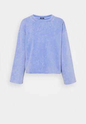 FLARE CROP - Felpa - neon medium blue