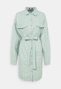 Missguided Plus - BELTED SHIRT DRESS - Shirt dress - green - 0