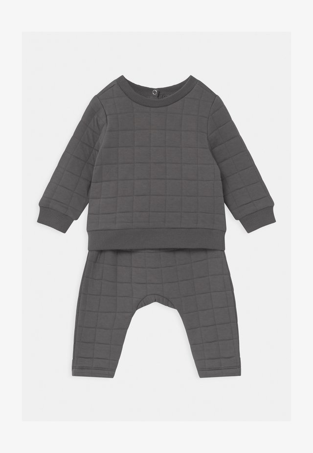 SCOUT & RORY QUILTED SET - Tracksuit - rabbit grey