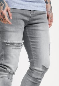 SIKSILK - DISTRESSED SUPER  - Jeans Skinny Fit - washed grey - 4