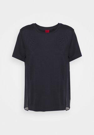 DAKAIA - Jednoduché triko - dark blue