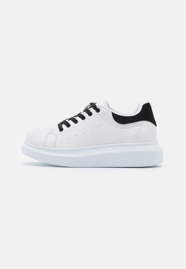CASUAL NEWNESS  - Baskets basses - white/black
