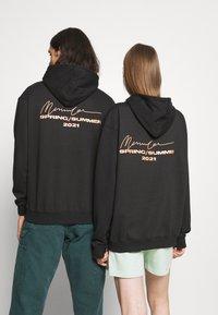 Mennace - ESSENTIAL REGULAR HOODIE UNISEX - Sweatshirt - black - 2
