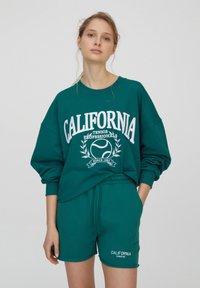 PULL&BEAR - Shorts - green - 3