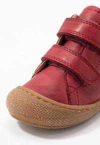 Naturino - COCOON  - Baby shoes - granata - 2
