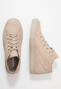Timberland - Sneakersy wysokie - light taupe - 1