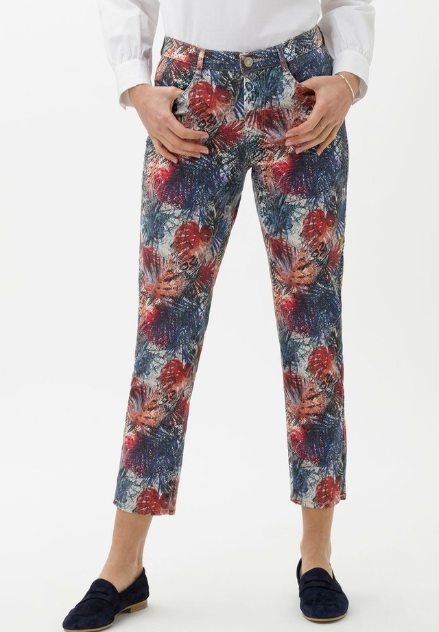 STYLE MARY  - Jeans slim fit - clean coral