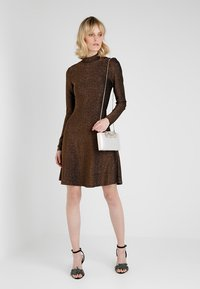Forever New - CHARLOTTE - Clutch - nude shimmer - 1