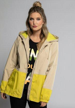 PLUS SIZE WATER REPELLENT COLORBLOCK - Outdoor jacket - mild taupe
