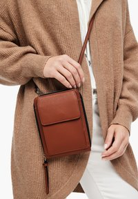 s.Oliver - Across body bag - cognac - 2