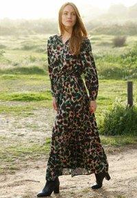 Laura Kent - KLEID - Maxi dress - schwarz tannengrün - 2