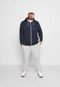 TOM TAILOR MEN PLUS - COSY BASIC JACKET - Zip-up hoodie - dark blue - 1