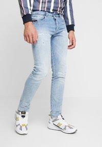 Diesel - D-BAZER - Slim fit jeans - 0095v01 - 0