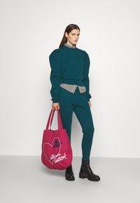 Vivienne Westwood - ARAMIS - Sweatshirt - green - 1