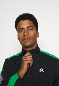 adidas Performance - ZIP - Tuta - black/black/vivgreen - 5