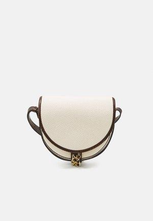 MARA SADDLE - Across body bag - cement beige