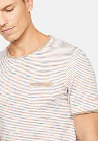 Colours & Sons - MARIO - T-Shirt print - orange - 2