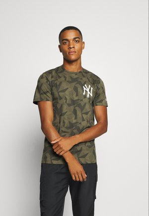 MLB NEW YORK YANKEES TEE GEOMETRIC - Club wear - olive