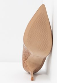L'INTERVALLE - TEEVA - High heels - yango lajara - 6
