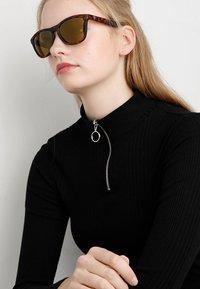 CHPO - BODHI - Sunglasses - turtle brown / brown mirror - 2