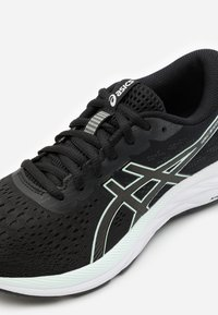 ASICS - GEL-EXCITE 7 - Zapatillas de running neutras - black/bio mint - 5