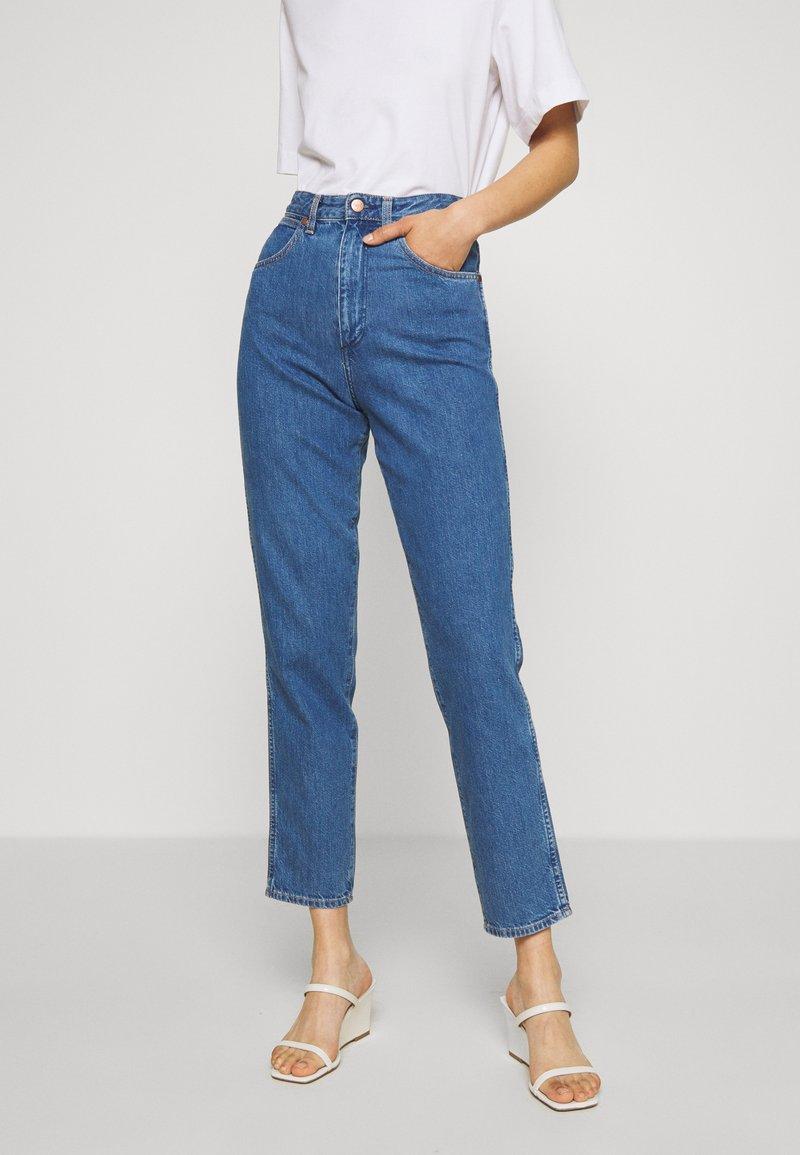 Wrangler - MOM  - Straight leg jeans - summer breeze