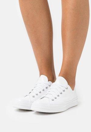 CHUCK 70 POP - Sneakersy niskie - white/electric aqua