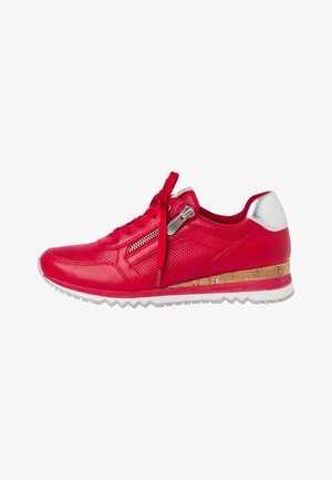 Trainers - red comb