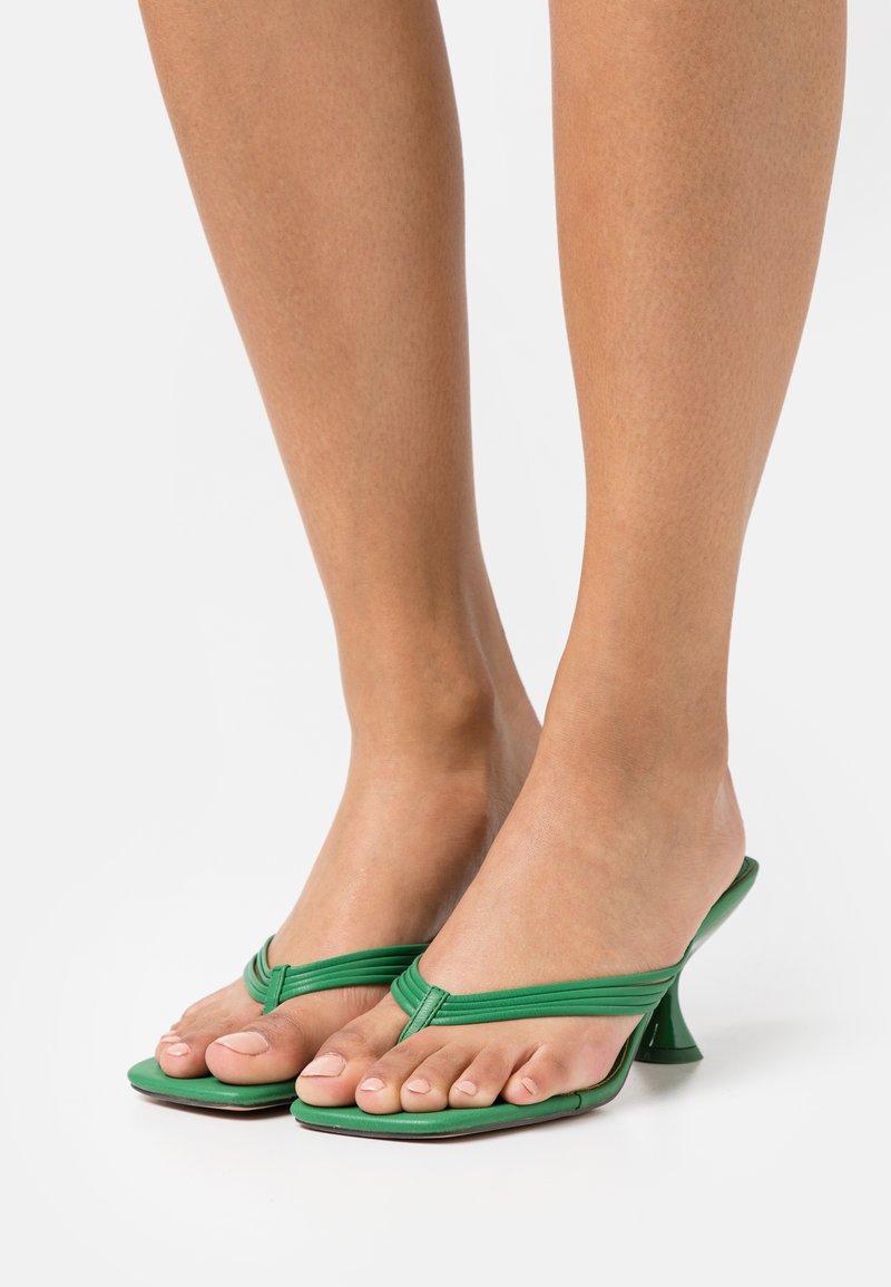 Topshop - NEEVA TOE THONG - T-bar sandals - green