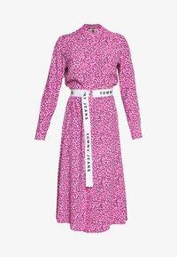 Tommy Jeans - PRINTED SHIRT DRESS - Korte jurk - pink daisy - 4