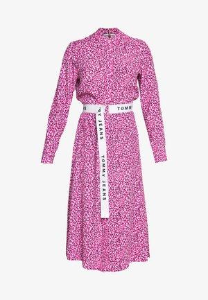 PRINTED SHIRT DRESS - Day dress - pink daisy