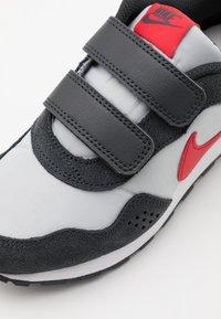 Nike Sportswear - VALIANT  - Trainers - grey fog/university red/dark smoke grey/white - 5