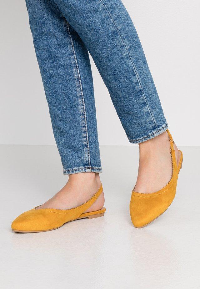 Slingback ballet pumps - yellow