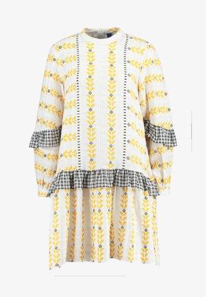 SANDRA DRESS - Vapaa-ajan mekko - white