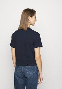Tommy Jeans - STAR AMERICANA FLAG TEE - T-shirts print - twilight navy - 2