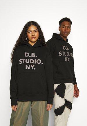 STUDIO HOOD UNISEX - Sweatshirt - black
