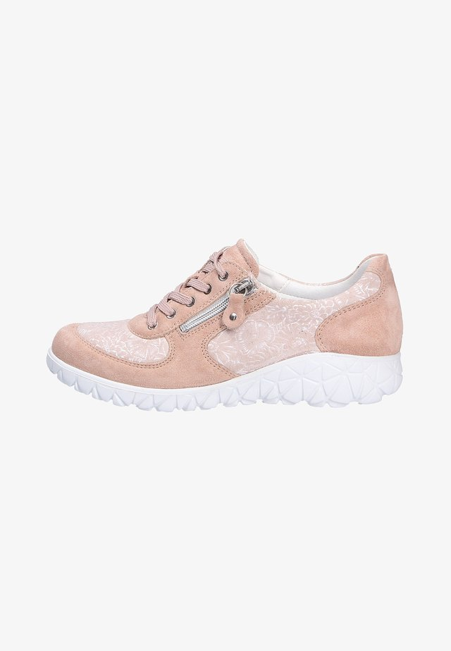 Sneakers laag - skinnude