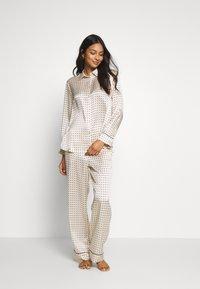 ASCENO - THE LONDON - Pyjamashirt - cream - 1