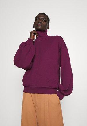 OVERSIZE LOGO DETAIL - Sweatshirt - iron red