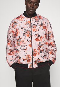 Henrik Vibskov - TAPE BOMBER - Bomber Jacket - bubble dancers - 4