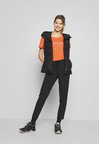 Norrøna - LEGACY - T-shirts med print - flamingo - 1