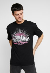 Revival Tee - LAS VEGAS TEE - T-shirt z nadrukiem - black - 0