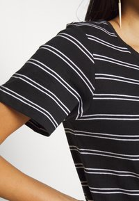 Anna Field - 2 PACK - Print T-shirt - black/multicoloured - 5