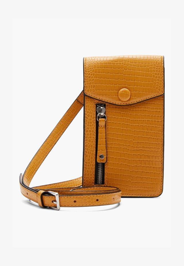 Phone case - yellow