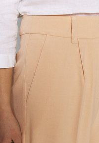 EDITED - KELLY TROUSERS - Trousers - beige - 4