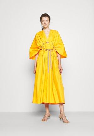 NAOMINA DRESS - Maxi dress - honeycomb