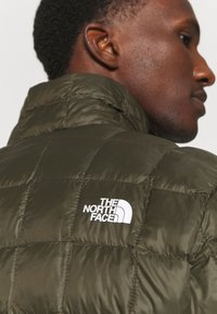 The North Face - THERMOBALL ECO JACKET 2.0 - Vinterjacka - new taupe green - 3