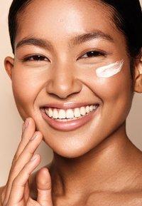 Atina Cosmetics - MELANIN NIGHT - Night care - - - 3