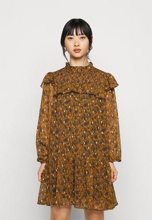 OBJVIOLETTA DRESS - Day dress - honey ginger