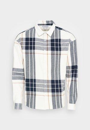 DROP SHOULDER - Overhemd - white